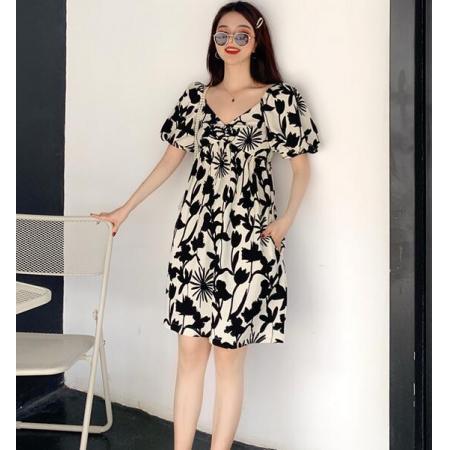 YF31275# 黑白法式复古连衣裙女夏季碎花露背法国小众泡泡袖V领连衣裙