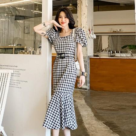 YF39596# 韩版新款修身泡泡袖方领格子收腰鱼尾长连衣裙 服装批发女装直播货源