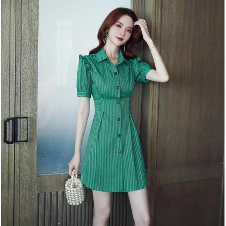 YF41510# 夏季法式复古小心机条纹牛油果绿短裙小个子显瘦衬衣连衣裙
