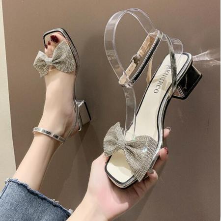 X-25601# 春夏新款网红百搭法式一字带露趾蝴蝶结粗跟水钻凉鞋